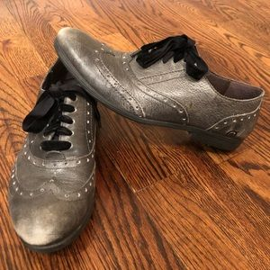 BORN Gray Leather Oxfords with Black Laces